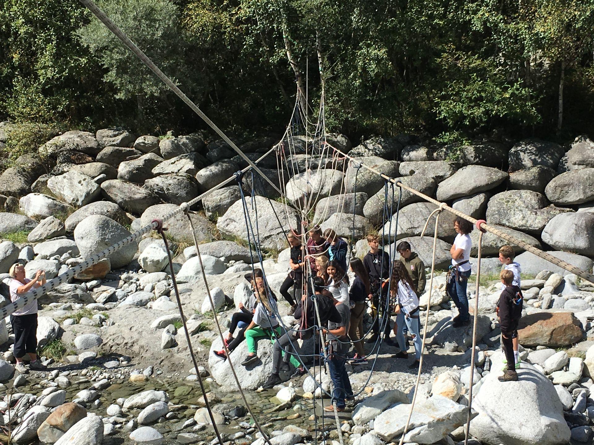 Nepalbrücke bauen